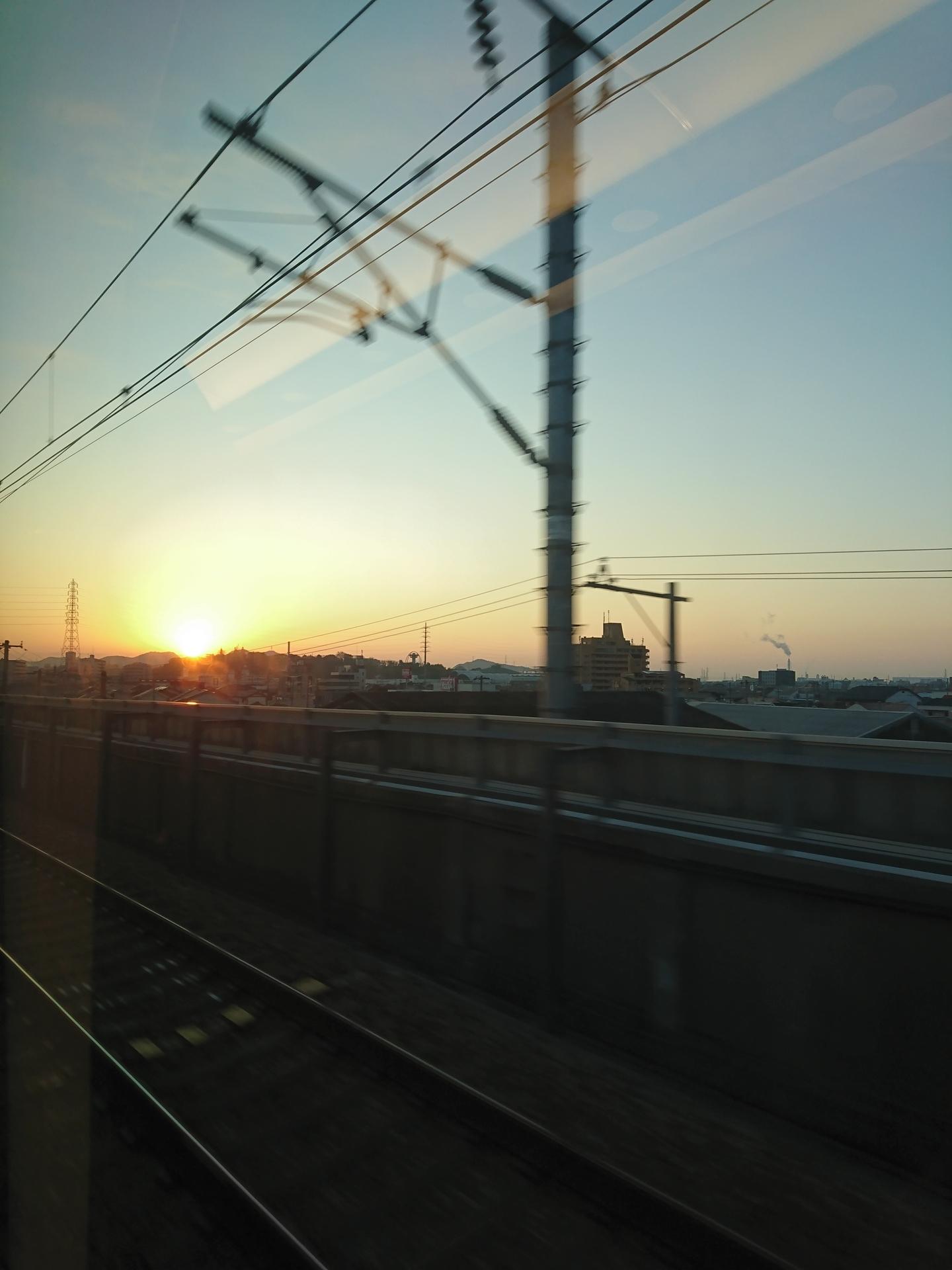 20200114:新幹線からの日の出04